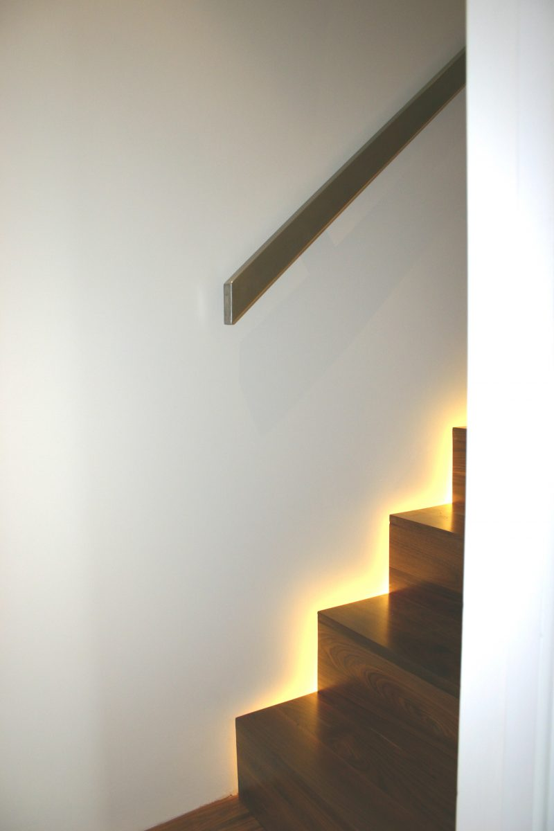 09 Staircase lighting